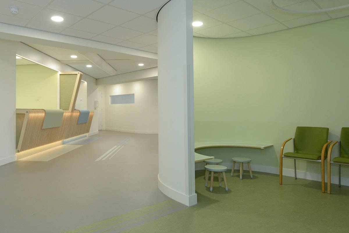 Wachtkamer groen - interieurontwerp gezondheidscentrum de Linde te Ermelo